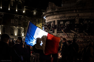 drapeau_france_place_republique-1