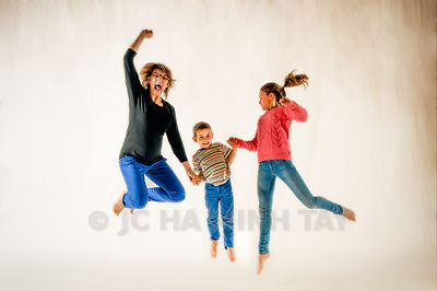 FAMILLE LEFORT IN THE AIR