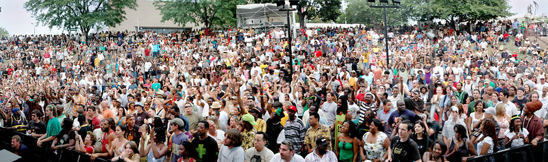 REG13018_Burning_Spear_Baltimore_Crowd_Panoramic_Preview