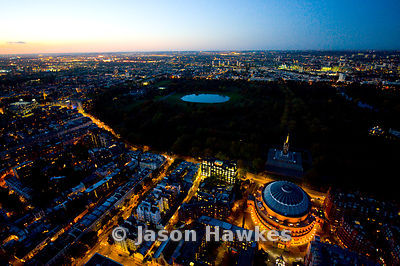 Albert Hall and Hensignton Gardens at night