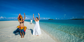 Wedding couple on Aitutaki Lagoon, Cook Islands