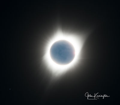 Solar_Eclipse_with_Earthshine_Guernsey_State_Park_Wyoming_resized