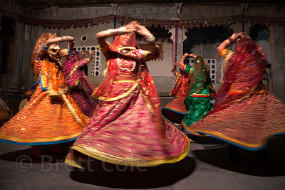 Performers at a dance show at the Bagore-ki Haveli, Udaipur, Rajasthan, India
