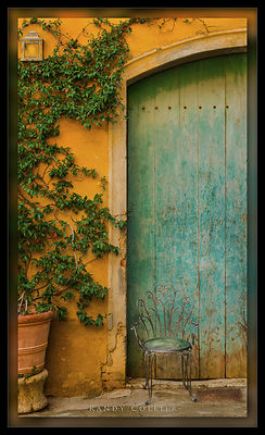 os006_Blue_door_PD