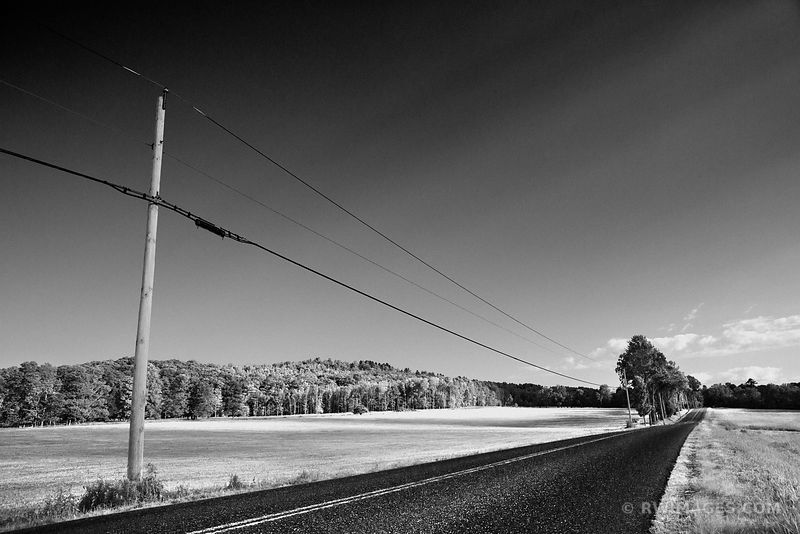 COUNTRY ROAD VERMONT BLACK AND WHITE