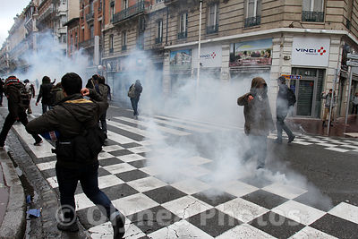 © Sebastien LAPEYRERE / Olynea photos  Toulouse France Feb,21st 2015.Protesters gather during a demonstration of the so-called ZAD (zone to be defend) against intensive agriculture. Several hundred people demonstrated with overflows and or thugs smashed the windows of banks and shops. Many stopped by the police and CRS