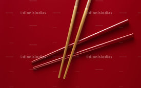 Bamboo Hashis on Red hashi