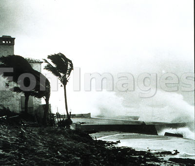 High waves during Miami hurricane, 1948