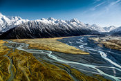 Mont Cook range and Hooker Valley