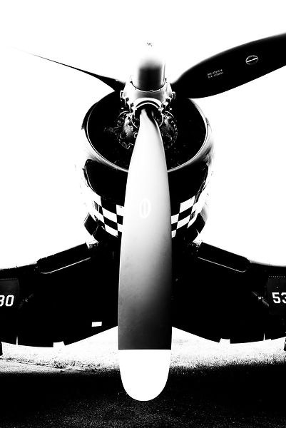 Corsair-Propeller-Vertical-7646-BW