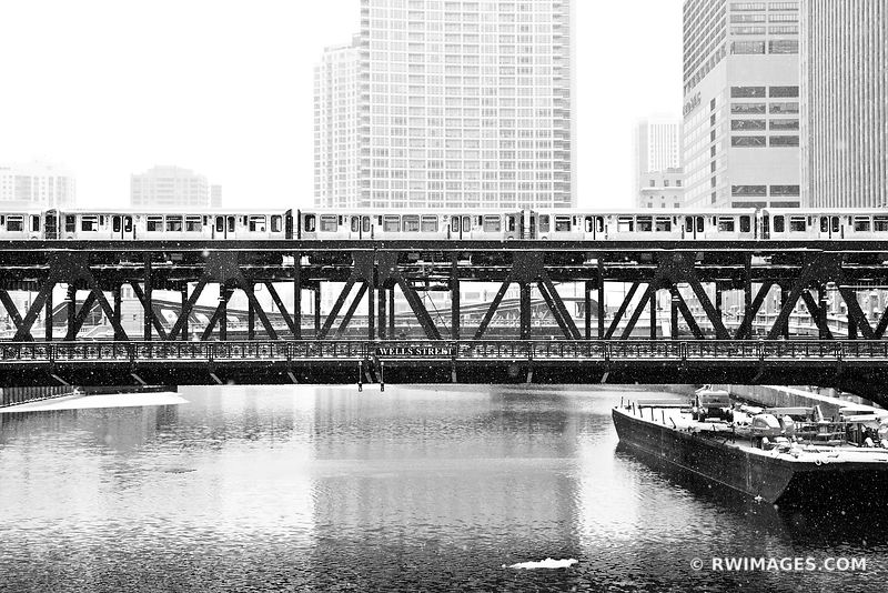 WELLS STREET BRIDGE WINTER DAY HEAVY SNOWFALL CHICAGO ILLINOIS BLACK AND WHITE