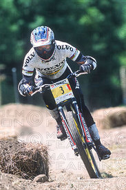 ANNE CAROLINE CHAUSSON MONT STE ANNE, CANADA. TISSOT MOUNTAIN BIKE WORLD CUP 2002