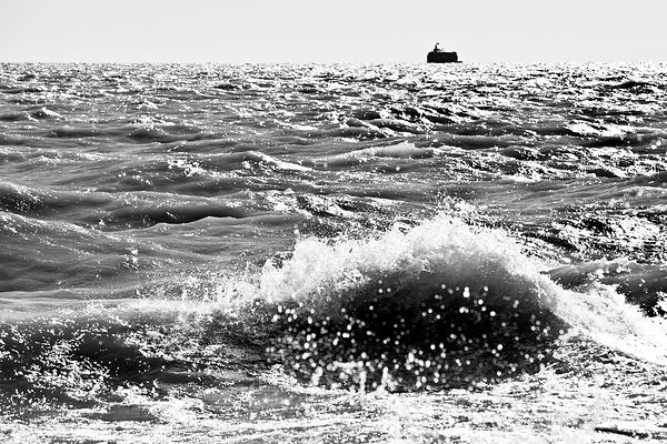 LAKE MICHIGAN CHICAGO ILLINOIS BLACK AND WHITE