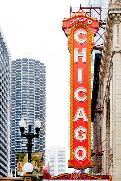 CHICAGO THEATRE SIGN CHICAGO COLOR VERTICAL