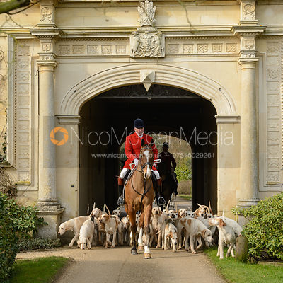 The Cottesmore Hunt at Stapleford Park 27/2 photos