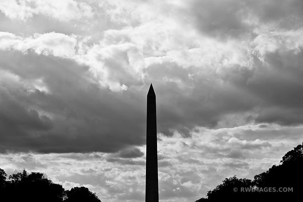 WASHINGTON MONUMENT NATIONAL MALL WASHINGTON DC BLACK ANDWHITE VERTICAL
