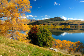Autumn_at_Lake_Hayes