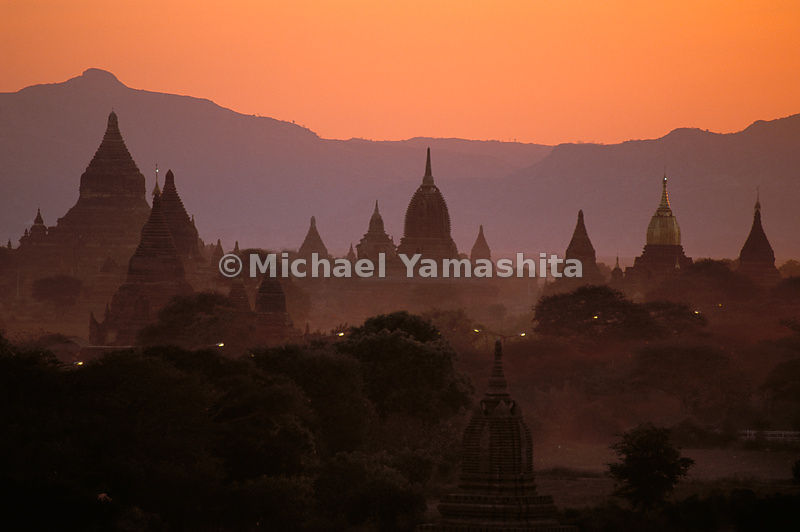 "Bagan is also called the ""Valley of the Thousand Temples,"" but in the Middle Ages there were 13000 stupas."