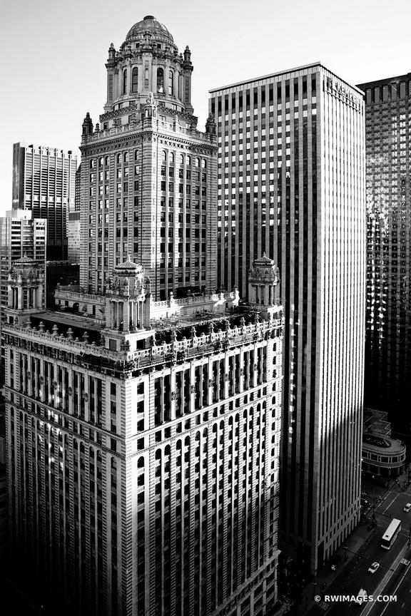 CHICAGO DOWNTOWN ARCHITECTURE BLACK AND WHITE VERTICAL