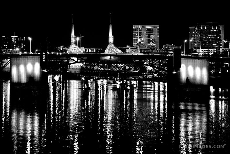 MORRISON BRIDGE WILLAMETTE RIVER DOWNTOWN PORTLAND OREGON AT NIGHT BLACK AND WHITE