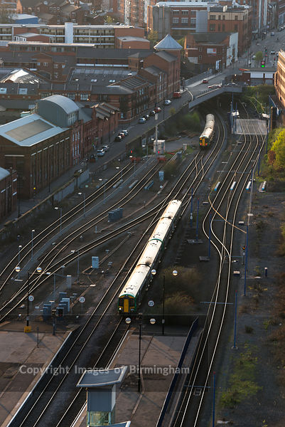 A train puling in to Snow Hill station. Birmingham, West Midlands, England, UK, also shown in the Jewellery Quarter.