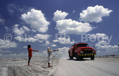 REFUGIES PRES DU PINATUBO, PHILIPPINES//REFUGEES NEAR PINATUBO VOLCANO, THE PHILIPPINES