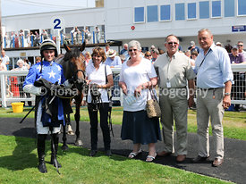 Handicap Hurdle Race with winner Party Palace