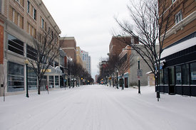 2014-01-29_2014_Snowpacalypse_Aftermath_downtown_in_snow