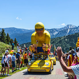 LE TOUR DE FRANCE-PUBLICITY CARAVAN images