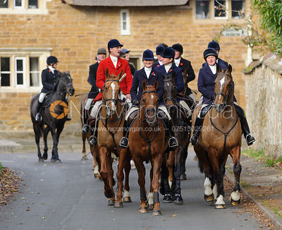 The Cottesmore Hunt at Manor Farm 11/11 photos