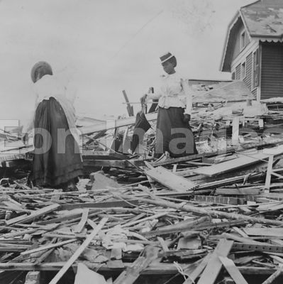 Galveston disaster, trying to find where their home stood