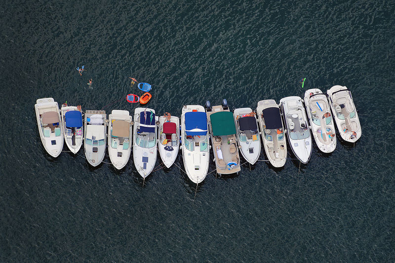 Exhibit_Aerial_Power_Boats_Linked_together_Pod_LC_3