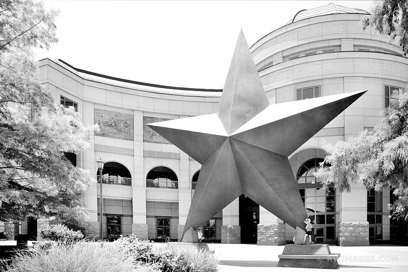 THE BULLOCK TEXAS STATE HISTORY MUSEUM AUSTIN TEXAS BLACK AND WHITE