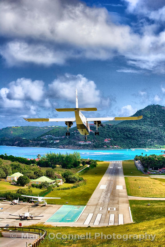 Landing in St Barts