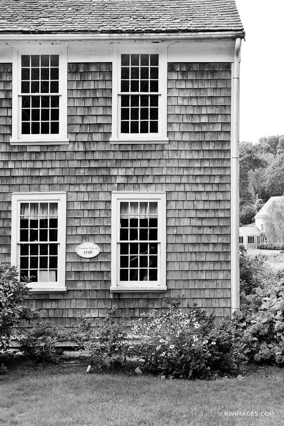 OLD CAPE COD STYLE HOUSE SANDWICH MASSACHUSETTS BLACK AND WHITE