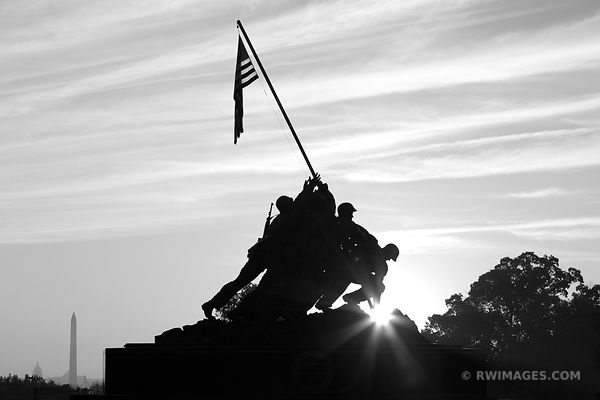 SUNRISE MARINE CORPS IWO JIMA MEMORIAL WASHINGTON DC BLACK AND WHITE