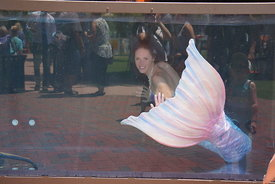 real_mermaid_in_water_harborfest_2016