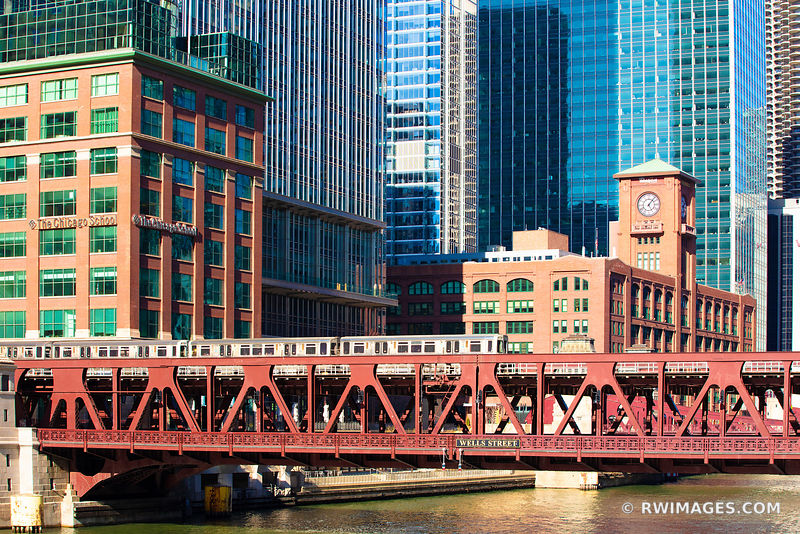 EL TRAIN ELEVATED TRAIN WELLS STREET BRIDGE CHICAGO DRAWBRIDGE CHICAGO ILLINOIS