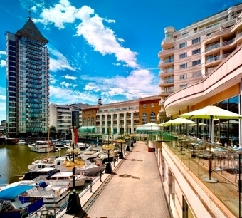Chelsea Riverside Brasserie Wyndham Grand Chelsea Harbour