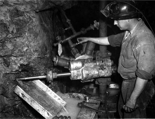 Mining kalgoorlie 1951 in western australia