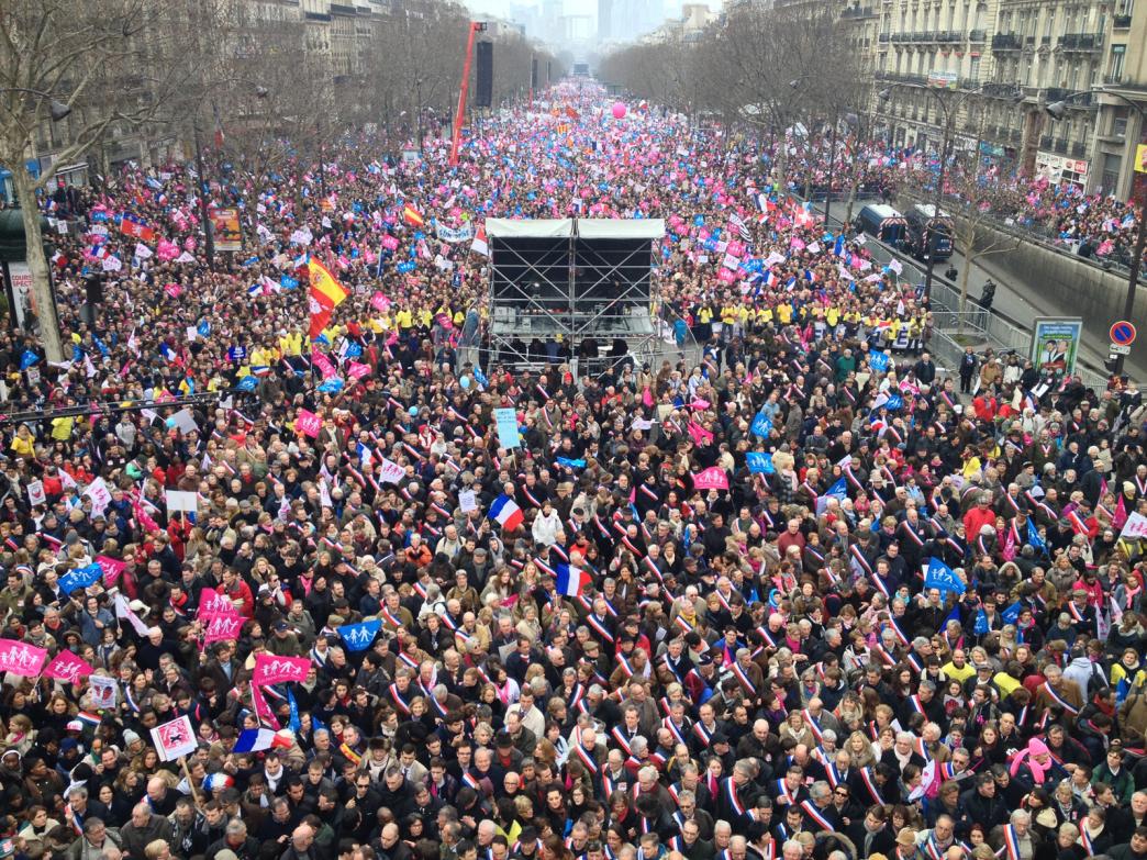 la-manif-pour-tous-protests-the-legalization-of-same-sex-marriage
