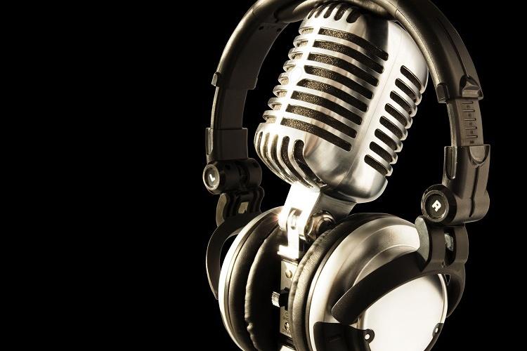 радио микрофон слушалки медии Cropped