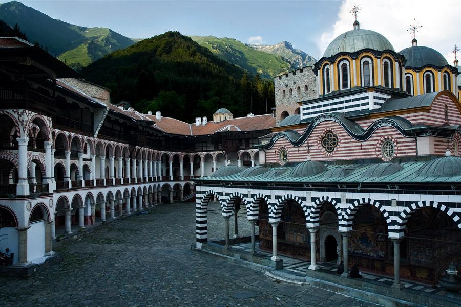 rilski-manastir-zaglavna