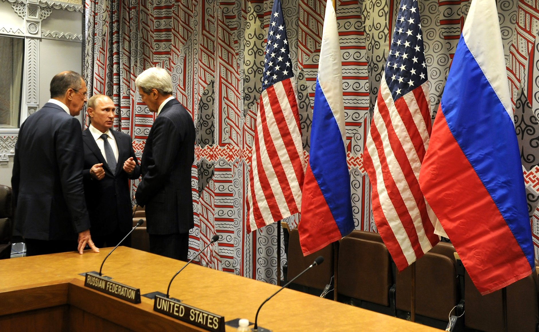 Sergey_Lavrov,_Vladimir_Putin_and_John_Kerry