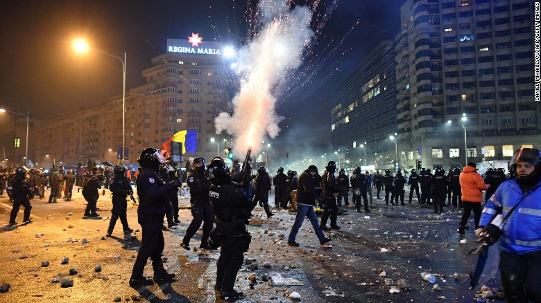 170202091657-02-romania-corruption-protest-0201-exlarge-169