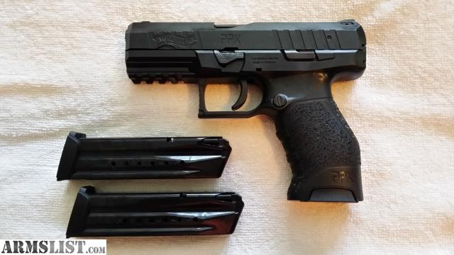 Walther p22 (with 34 and 5 barrels) matte includes kydex holster