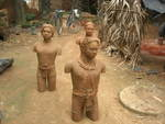 Hansda  boran  santhal portrets  terracota sculpture  2007 in the village studio photo goshka3