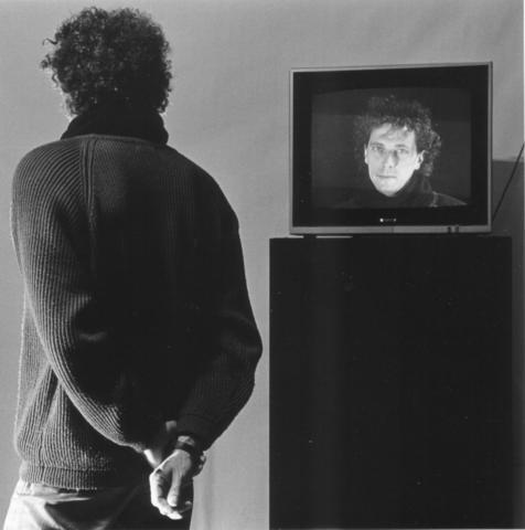 1992 zelfportret met monitor