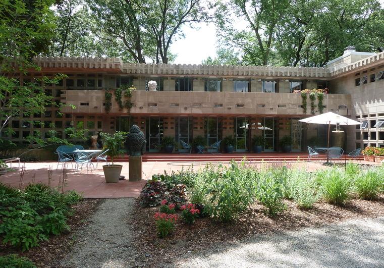 Michigan modern for Building a home in michigan