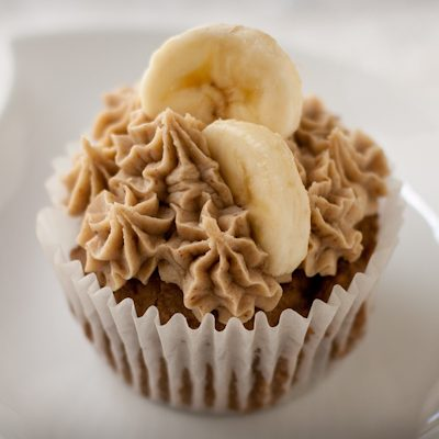 Roasted banana mochi cupcakes